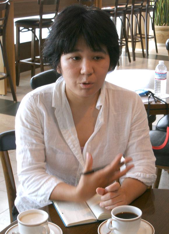 成島洋子さん